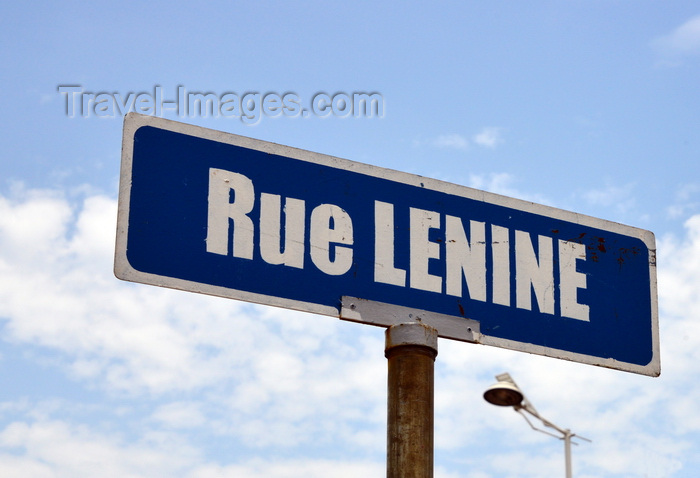 congo59: Brazzaville, Congo: Lenin street sign seen against the sky - communist revolutionary Vladimir Ilyich Lenin still has a few fans in Africa - photo by M.Torres - (c) Travel-Images.com - Stock Photography agency - Image Bank