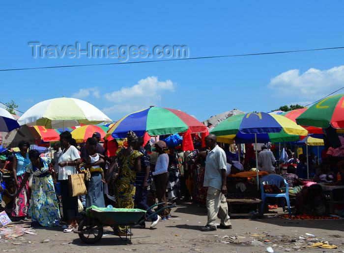 congo85: Brazzaville, Congo: forest of colorful umbrellas of the busy street market on Avenue de Djoué, Makélékélé - photo by M.Torres - (c) Travel-Images.com - Stock Photography agency - Image Bank