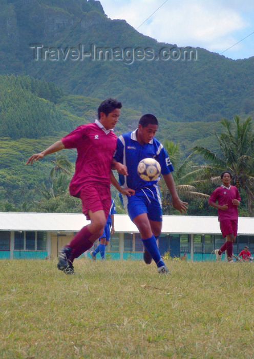 cook21: Cook Islands - Rarotonga island: soccer game - football match - photo by B.Goode - (c) Travel-Images.com - Stock Photography agency - Image Bank