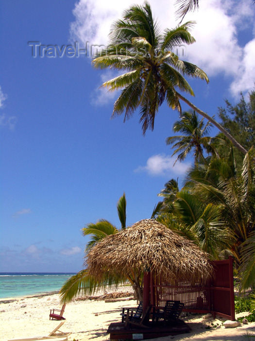 cook31: Cook Islands - Rarotonga island: sunny day on black Rock Beach - photo by B.Goode - (c) Travel-Images.com - Stock Photography agency - Image Bank
