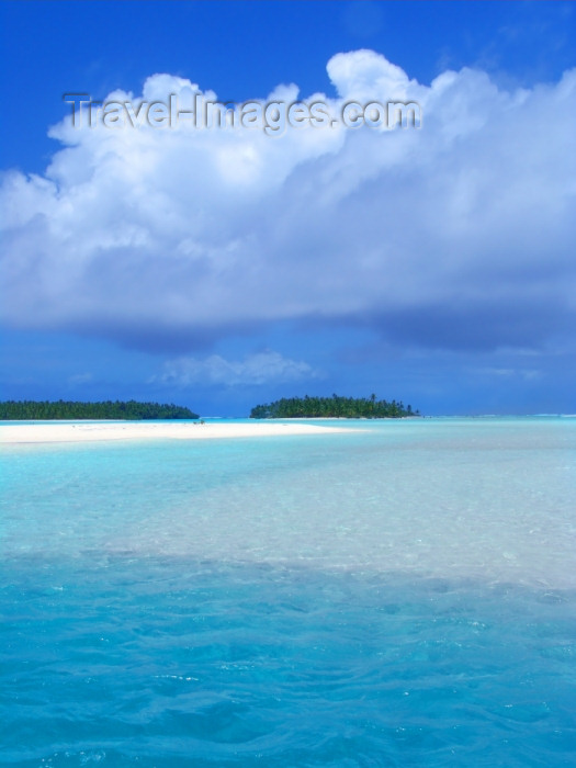 cook46: Cook Islands - Aitutaki island: blue lagoon - photo by B.Goode - (c) Travel-Images.com - Stock Photography agency - Image Bank
