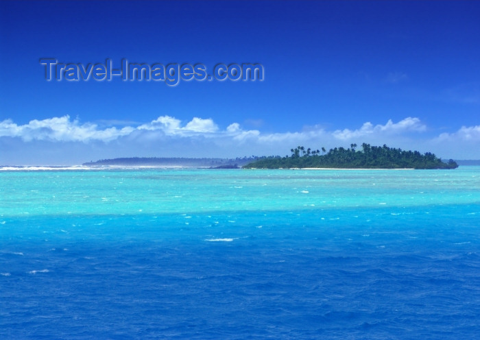 cook57: Cook Islands - Aitutaki: waves crashing on the reef of Tropical Island in the Pacific - Paradise lagoon - photo by B.Goode - (c) Travel-Images.com - Stock Photography agency - Image Bank