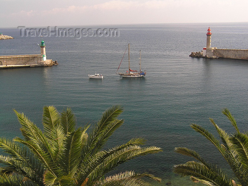 corsica175: Corsica - Bastia: harbour - Jetee du Dragon - photo by J.Kaman - (c) Travel-Images.com - Stock Photography agency - Image Bank