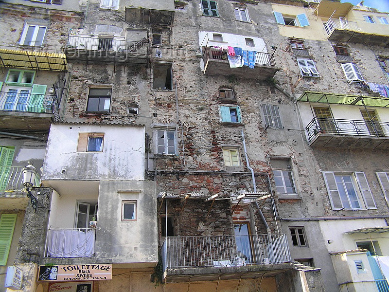corsica179: Corsica - Bastia: neglected houses II - photo by J.Kaman - (c) Travel-Images.com - Stock Photography agency - Image Bank