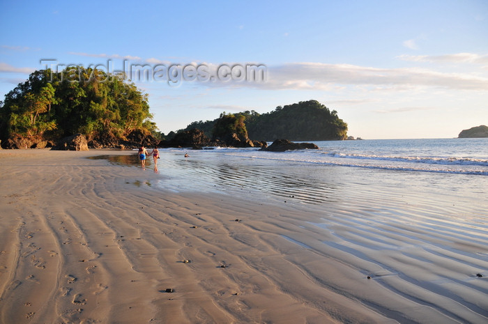 costa-rica115: Manuel António, Puntarenas province, Costa Rica: rippled beach sand - Playa Espadilla - Punta Catedral - photo by M.Torres - (c) Travel-Images.com - Stock Photography agency - Image Bank