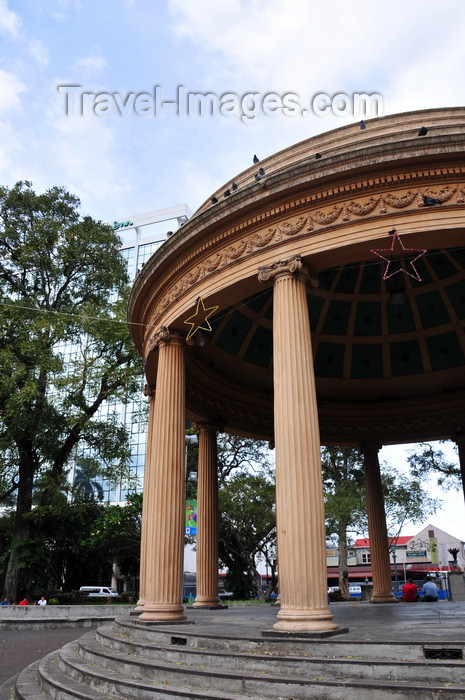 costa-rica35: San José, Costa Rica: San José Parque Morazan - neo-classical bandstand - Templo de la Música - photo by M.Torres - (c) Travel-Images.com - Stock Photography agency - Image Bank