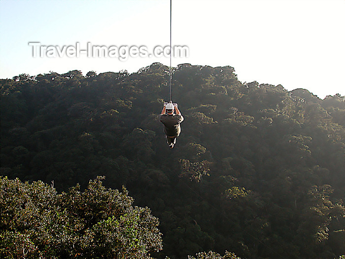 costa-rica61: Monteverde, Costa Rica: sky trekker in mid flight - rain forest canopy tour - photo by B.Cain - (c) Travel-Images.com - Stock Photography agency - Image Bank