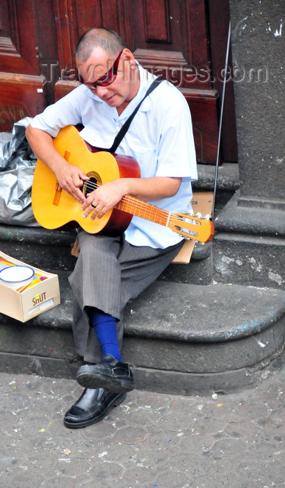 costa-rica79: San José, Costa Rica: Avenida Central - blind guitar player - photo by M.Torres - (c) Travel-Images.com - Stock Photography agency - Image Bank