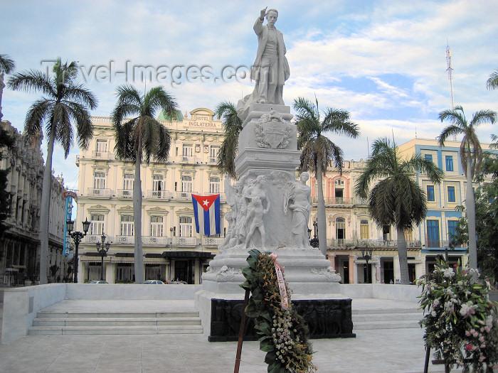 cuba10: Cuba - Havana: flowers at Jose Marti monument - Hotel Inglaterra - Paseo del Prado - Unesco world heritage site - photo by L.Gewalli - (c) Travel-Images.com - Stock Photography agency - Image Bank