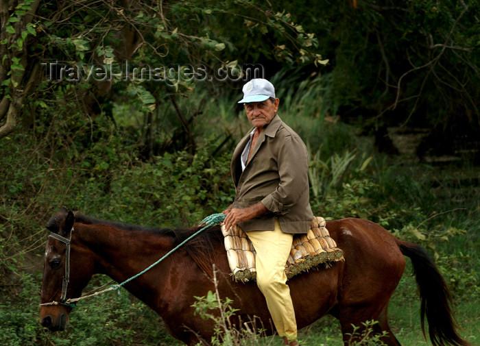 cuba103: Cuba - Holguín province - man on horseback - photo by G.Friedman - (c) Travel-Images.com - Stock Photography agency - Image Bank
