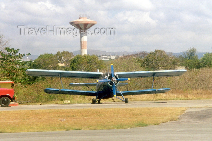 cuba11: Cuba - Santiago / SCU : Russian Antonov-2 biplane at Antonio Maceo airport (photo by M.Torres) - (c) Travel-Images.com - Stock Photography agency - Image Bank