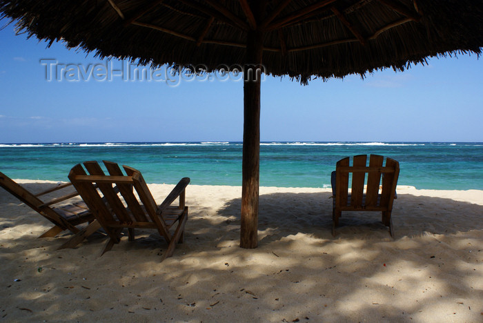 cuba135: Playa Maguana, Baracoa, Guantánamo province, Cuba: beach chairs in the shade - photo by A.Ferrari - (c) Travel-Images.com - Stock Photography agency - Image Bank