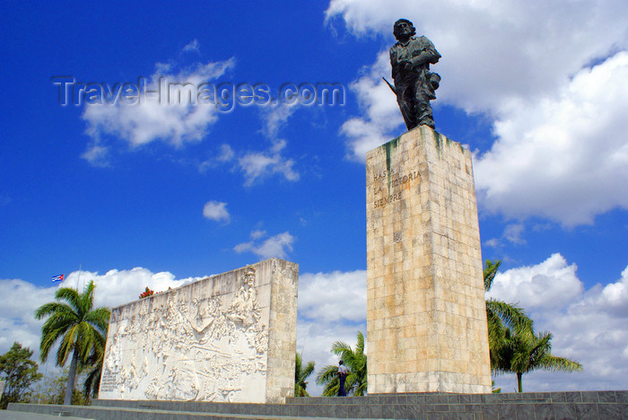 "cuba137: Santa Clara, Villa Clara province, Cuba: Monument and Mausoleum of Ernesto ""Che"" Guevara - houses the remains of Che Guevara and some of his comrades killed in Bolivia - Mausoleo Che Guevara - photo by A.Ferrari - (c) Travel-Images.com - Stock Photography agency - Image Bank"