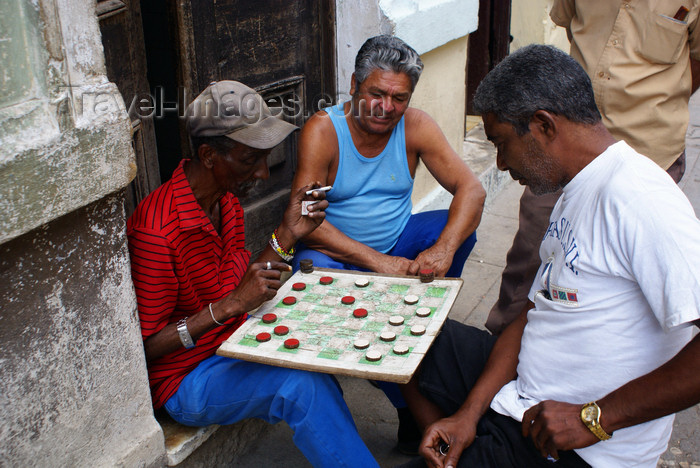 cuba19: Havana / La Habana / HAV, Cuba: domino players - photo by  A.Ferrari - (c) Travel-Images.com - Stock Photography agency - Image Bank