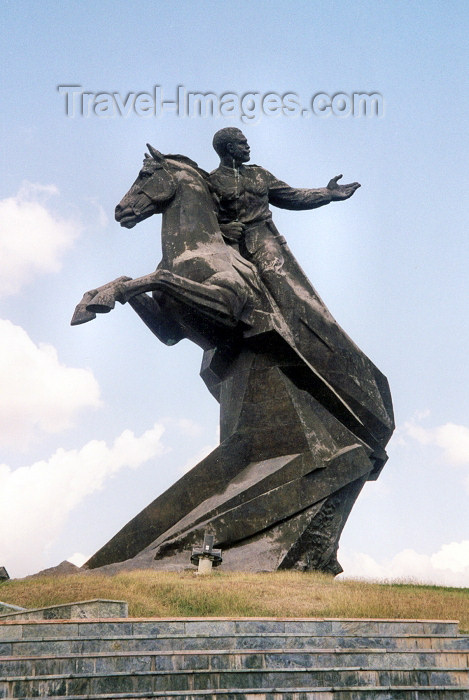 """cuba3: Cuba - Santiago: General Antonio Maceo - second-in-command of the Cuban army of independence, known as """"the Titan of Bronze""""- equestrian statue (photo by M.Torres) - (c) Travel-Images.com - Stock Photography agency - Image Bank"""