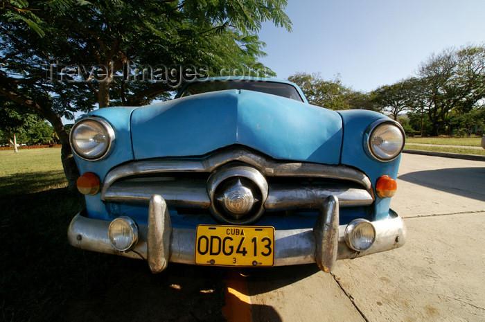 cuba39: Cuba - Guardalavaca - Cuban car - 1951 Ford - photo by G.Friedman - (c) Travel-Images.com - Stock Photography agency - Image Bank