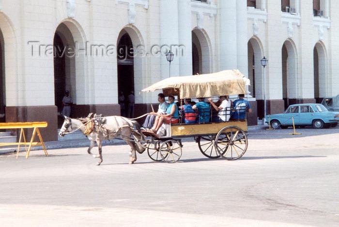 cuba4: Cuba - Santiago de Cuba: Bus 1 - caleche (photo by M.Torres) - (c) Travel-Images.com - Stock Photography agency - Image Bank
