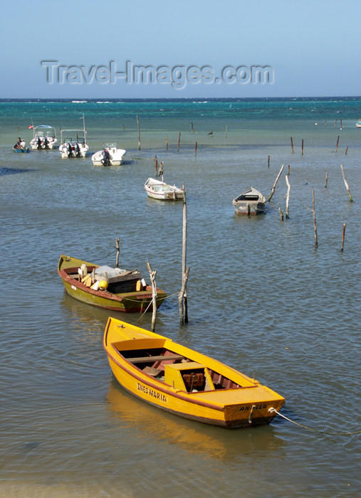cuba50: Cuba - Guardalavaca - some boats - photo by G.Friedman - (c) Travel-Images.com - Stock Photography agency - Image Bank