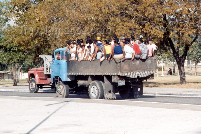 cuba6: Cuba - Santiago: Bus 2 - truck with passengers (photo by M.Torres) - (c) Travel-Images.com - Stock Photography agency - Image Bank
