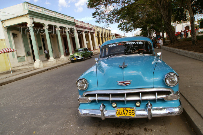 cuba61: Cuba - Holguín - a 1953 Chevy Bel Air Blue and street - photo by G.Friedman - (c) Travel-Images.com - Stock Photography agency - Image Bank