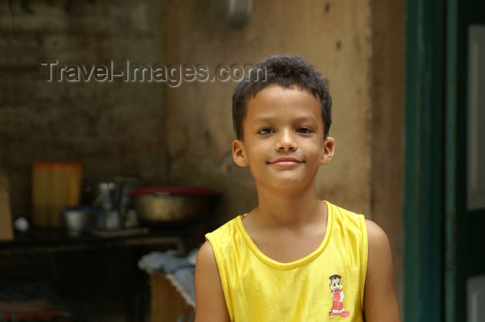 cuba88: Cuba - Holguín province - boy in yellow shirt - photo by G.Friedman - (c) Travel-Images.com - Stock Photography agency - Image Bank