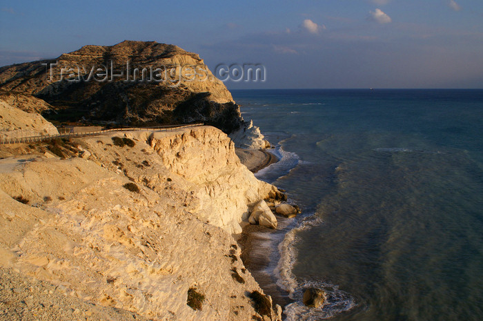 cyprus111: Petra Tou Romiou - Paphos district, Cyprus: along the southern coast - photo by A.Ferrari - (c) Travel-Images.com - Stock Photography agency - Image Bank