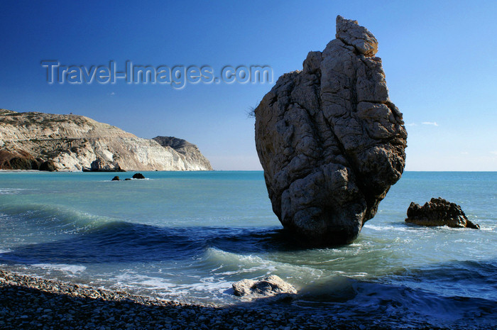 cyprus123: Petra Tou Romiou - Paphos district, Cyprus: column in the sea - photo by A.Ferrari - (c) Travel-Images.com - Stock Photography agency - Image Bank
