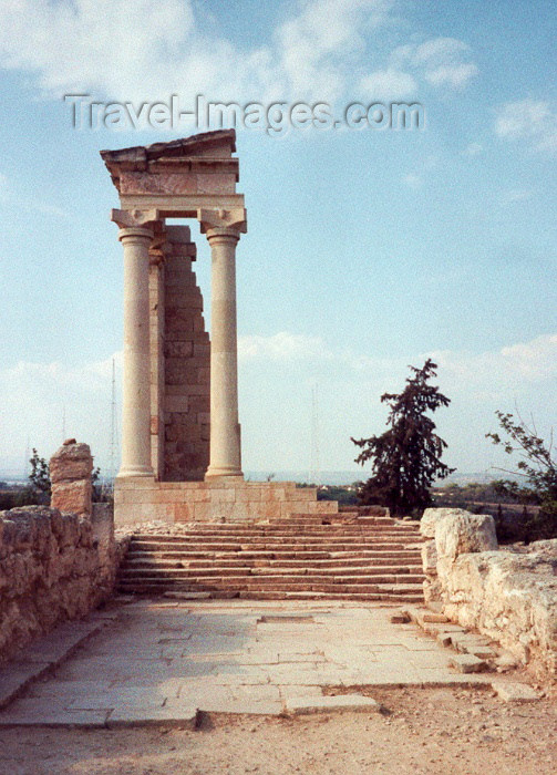 cyprus22: Cyprus - Kourion / Curium - Limassol district: temple of Apollo - photo by Miguel Torres - (c) Travel-Images.com - Stock Photography agency - Image Bank