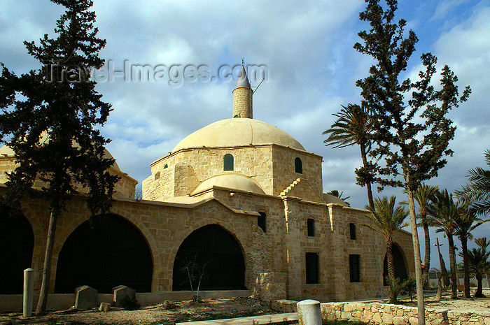 cyprus86: Larnaca, Cyprus: Halan Sultan Tekke Mosque - side view - photo by A.Ferrari - (c) Travel-Images.com - Stock Photography agency - Image Bank