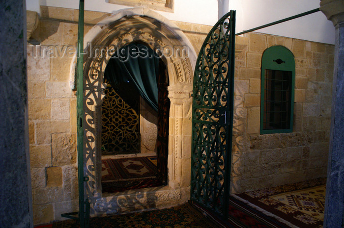 cyprus87: Larnaca, Cyprus: Halan Sultan Tekke Mosque - interior - photo by A.Ferrari - (c) Travel-Images.com - Stock Photography agency - Image Bank