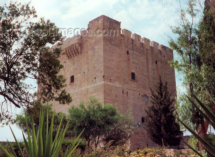 cyprus9: Cyprus - Kolossi - Limassol district: tower - castle of the Knights of the Order of St John of Jerusalem - Hospitallers - photo by Miguel Torres - (c) Travel-Images.com - Stock Photography agency - Image Bank