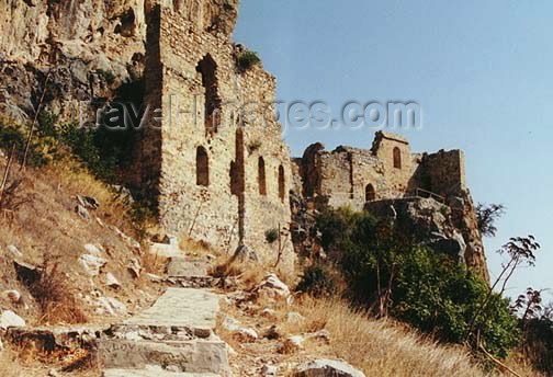 cyprusn10: North Cyprus - Kyrenia region: walls of St Hilarion castle (photo by Galen Frysinger) - (c) Travel-Images.com - Stock Photography agency - Image Bank