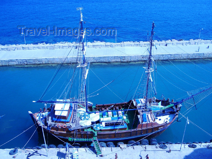 cyprusn25: Cyprus - Kyrenia / Girne: replica of an ancient vessel of the Mediyterranean (photo by Rashad Khalilov) - (c) Travel-Images.com - Stock Photography agency - Image Bank