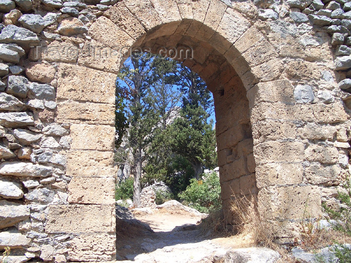 cyprusn26: Cyprus - Kyrenia region: St Hilarion castle - gate (photo by Rashad Khalilov) - (c) Travel-Images.com - Stock Photography agency - Image Bank
