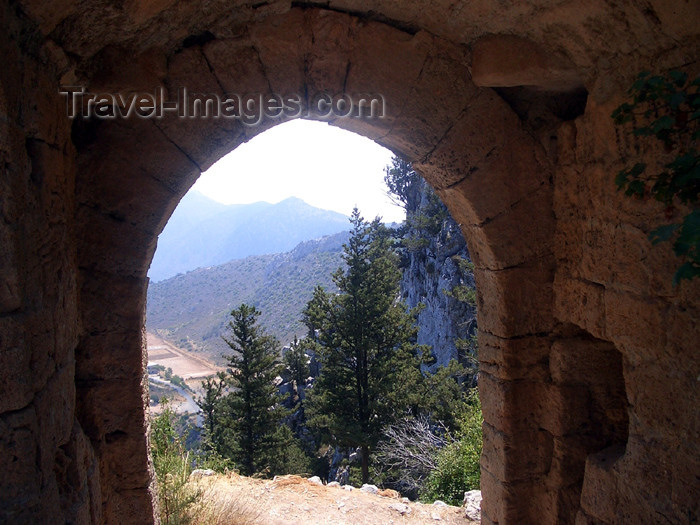 cyprusn28: Cyprus - Kyrenia region: St Hilarion castle - gate II (photo by Rashad Khalilov) - (c) Travel-Images.com - Stock Photography agency - Image Bank