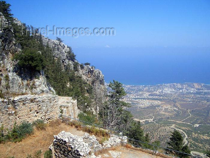 cyprusn35: Cyprus - Kyrenia region: St Hilarion castle - view of the coast (photo by Rashad Khalilov) - (c) Travel-Images.com - Stock Photography agency - Image Bank