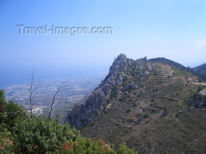 cyprusn39: North Cyprus - Kyrenia region: St Hilarion castle - looking at the Mediterranean sea (photo by Rashad Khalilov) - (c) Travel-Images.com - Stock Photography agency - Image Bank