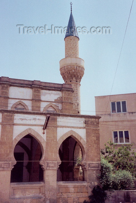 cyprusn5: Cyprus - Nicosia / NIC / Lefkosa: call to prayer - mosque (photo by Miguel Torres) - (c) Travel-Images.com - Stock Photography agency - Image Bank