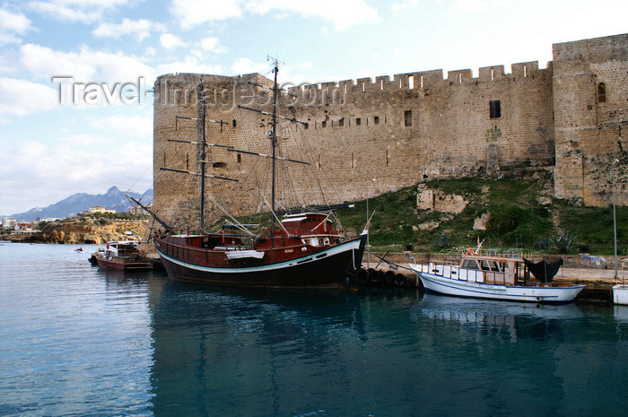 cyprusn52: Kyrenia, North Cyprus: the castle - crusader walls and Venetian towers - photo by A.Ferrari - (c) Travel-Images.com - Stock Photography agency - Image Bank