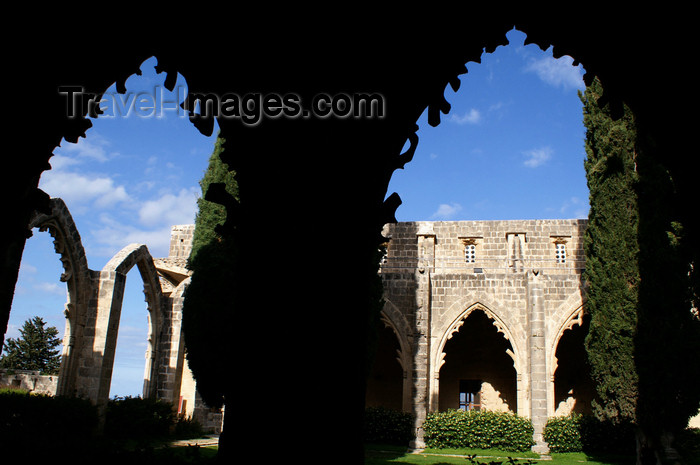 cyprusn57: Bellapais, Kyrenia district, North Cyprus: Bellapais abbey - arcade - photo by A.Ferrari - (c) Travel-Images.com - Stock Photography agency - Image Bank