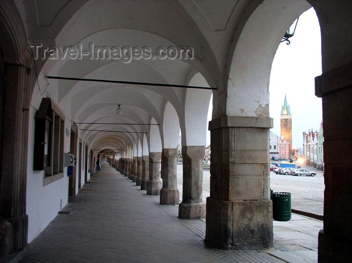 czech119: Czech Republic - Telc / Teltsch  (Southern Moravia - Jihomoravský - Jihlavský kraj: arcade - photo by J.Kaman - (c) Travel-Images.com - Stock Photography agency - Image Bank