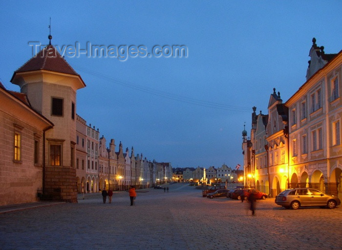 czech122: Czech Republic - Telc / Teltsch (Southern Moravia - Jihomoravský - Jihlavský kraj): the night arrives - photo by J.Kaman - (c) Travel-Images.com - Stock Photography agency - Image Bank