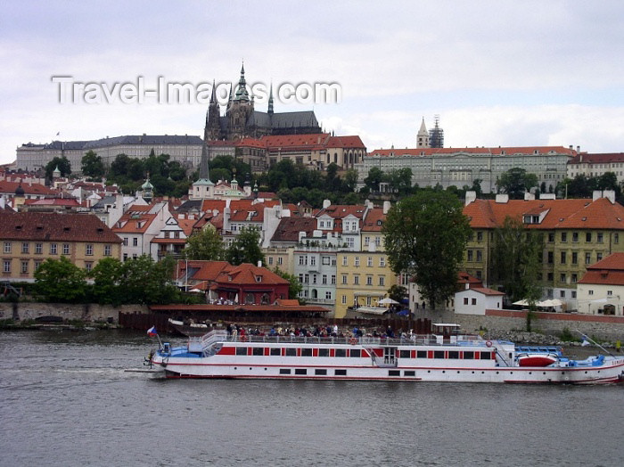 czech141: Czech Republic - Prague / Praha: Hradcany Castle and Vltava river - photo by J.Kaman - (c) Travel-Images.com - Stock Photography agency - Image Bank