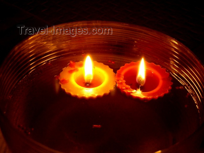 czech166: Czech Republic - candles burning - photo by J.Kaman - (c) Travel-Images.com - Stock Photography agency - Image Bank