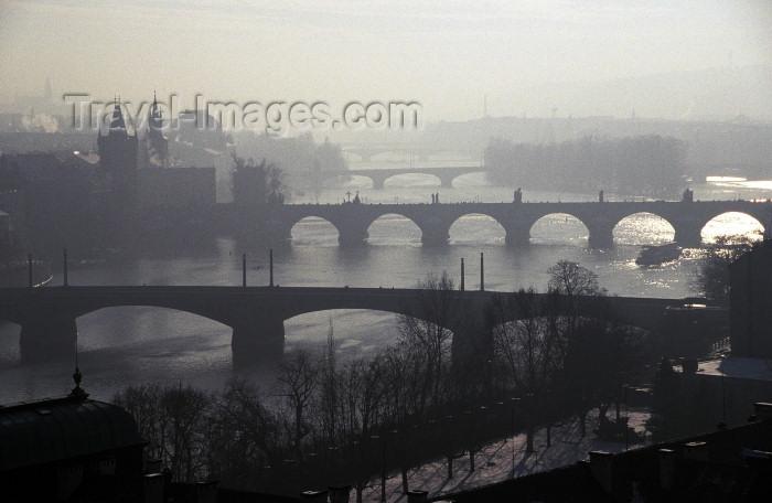 czech200: Czech Republic - Prague: four bridges and the Vltava - at dusk (photo by M.Gunselman) - (c) Travel-Images.com - Stock Photography agency - Image Bank