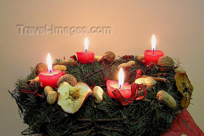 czech254: Czech republicCzech Republic - Christmas wreath with candles - photo by J.Kaman - (c) Travel-Images.com - Stock Photography agency - Image Bank
