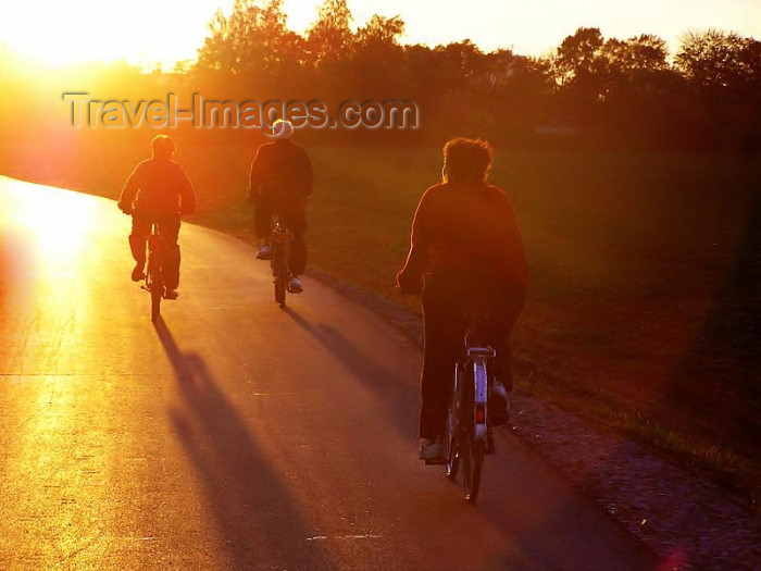 czech255: Czech Republic - cycling against the sun - photo by J.Kaman - (c) Travel-Images.com - Stock Photography agency - Image Bank