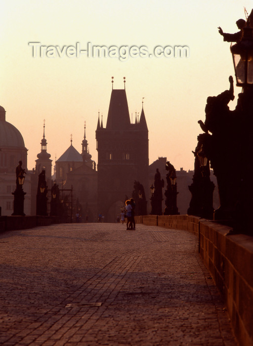 czech380: Czech Republic - Prague: early morning  - Charles Bridge, the most famous  bridge  in Prague, built  by King Charles IV- the statues are silhouetted against the light of sunrise - started by Master Otto and finished by Peter Parler in 1402 - photo by J.Fakete - (c) Travel-Images.com - Stock Photography agency - Image Bank