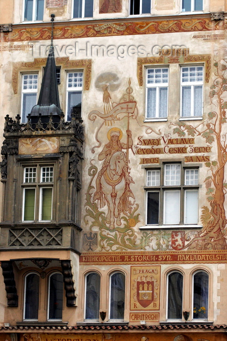 czech413: Storch House - Old TOwn Square - Prague, Czech Republic, Europe - photo by H.Olarte - (c) Travel-Images.com - Stock Photography agency - Image Bank
