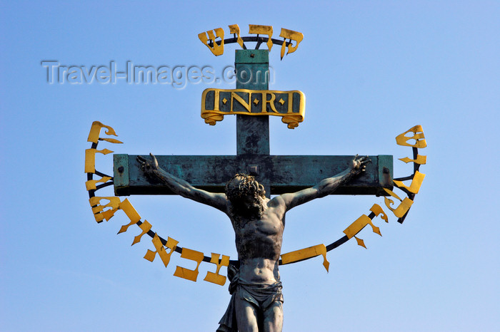 czech426: Crucifix on the Charles IV Bridge, Prague, Czech Republic - photo by H.Olarte - (c) Travel-Images.com - Stock Photography agency - Image Bank